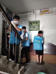 1093.创城进行时:辖区学生志愿者走进白玉社区开展清扫活动